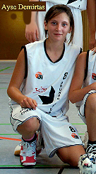Picture of Ayse Demirtas, cropped from Gr�ner Stern Keltern U13 basketball team photo.