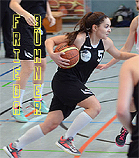Image of Frieda B�hner, BBC Osnabr�ck U11 Bezirksliga Nord girls basketball player, number 5, driving the ball upcourt.