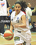 Dounia Abidar, BSW (Stars Weert) basketball player, dribbling upcourt (number 13).